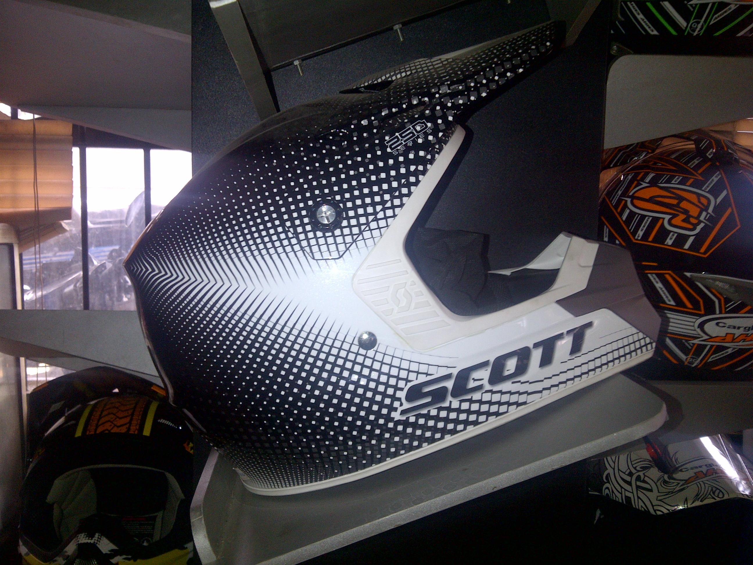 IMG 20130315 00009 Jual helm trail merk SCOT usa