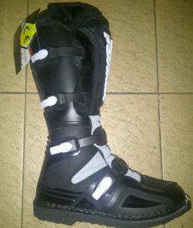 D M S 27 c 087889560192 jual sepatu forma terain