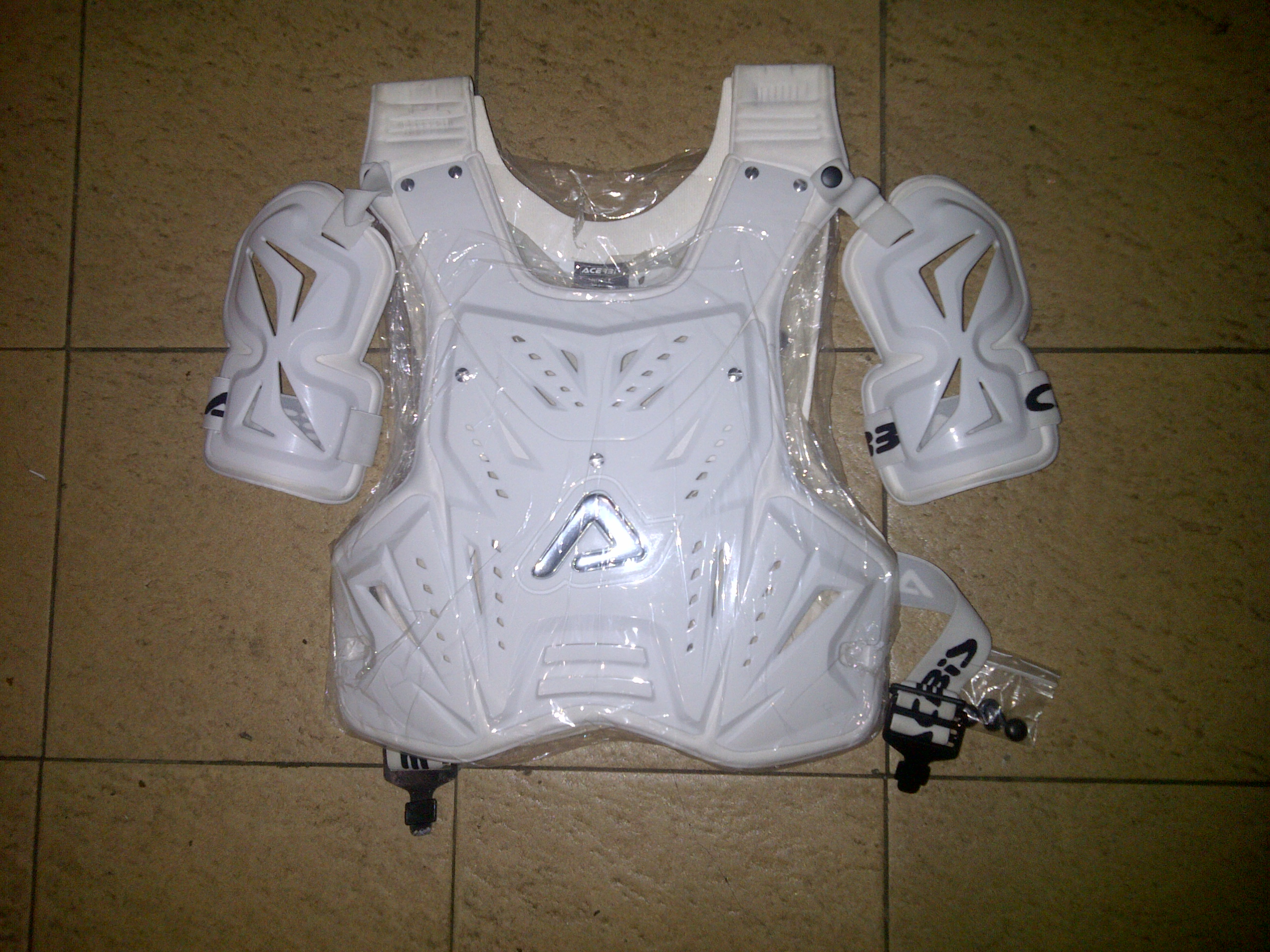 IMG 20130523 00348 Jual body protector   merk acerbis