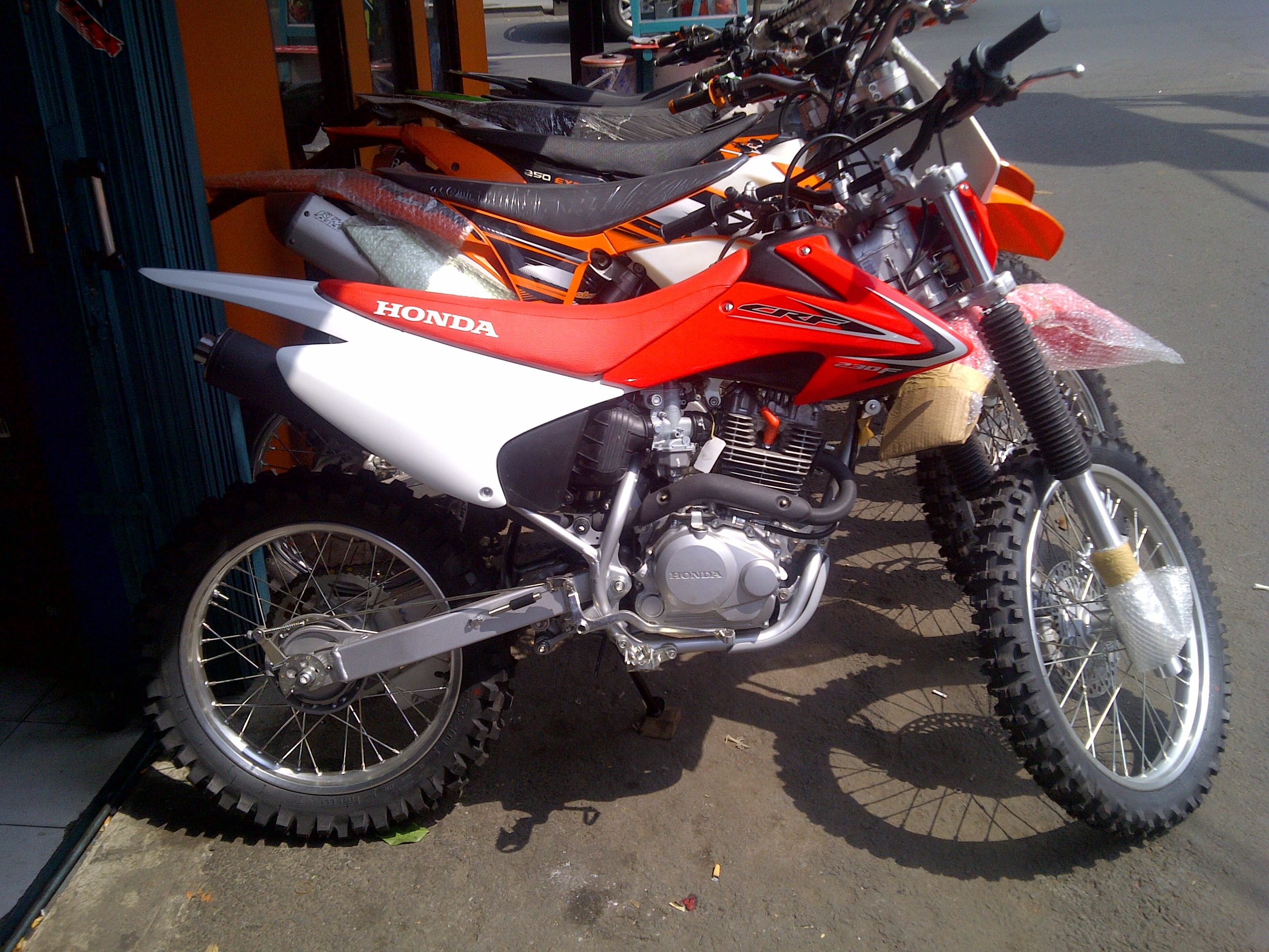 Kebon Jeruk 20130629 00530 Jual motor trail enduro honda CRF 230 F th 013 FROM A...