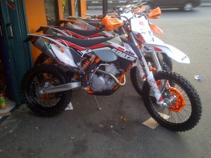 Kebon Jeruk 20130918 00723 300x225 Jual ktm 250 excf 6 days  th 014 new