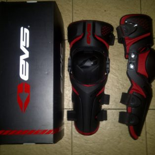 JUAL KNEE evs epic uk xl,L,m