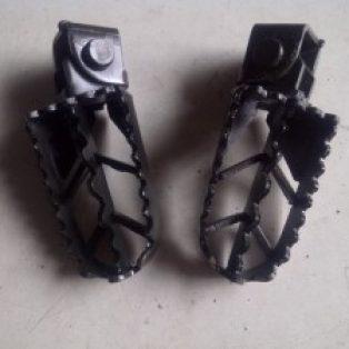 Jual foot pegs universal untuk motor trail