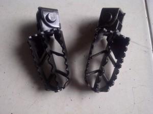 Kebon Jeruk 20140203 00963 300x225 Jual foot pegs universal untuk motor trail