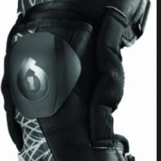Jual six six one knee brace