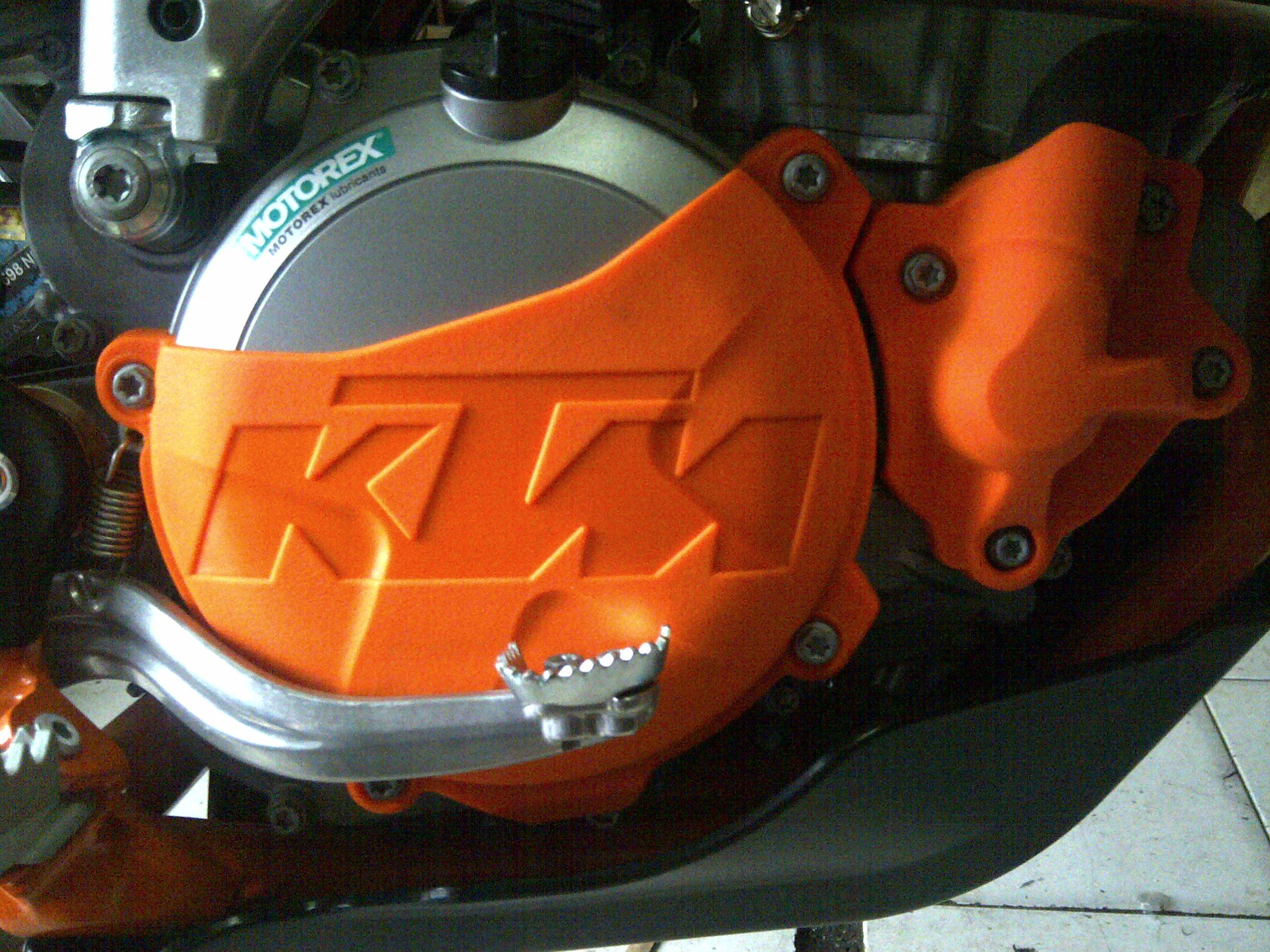 IMG 20150120 00513 clutch kopling + radiator hoose KTM 250 six days.350 sixday Rp 550.000
