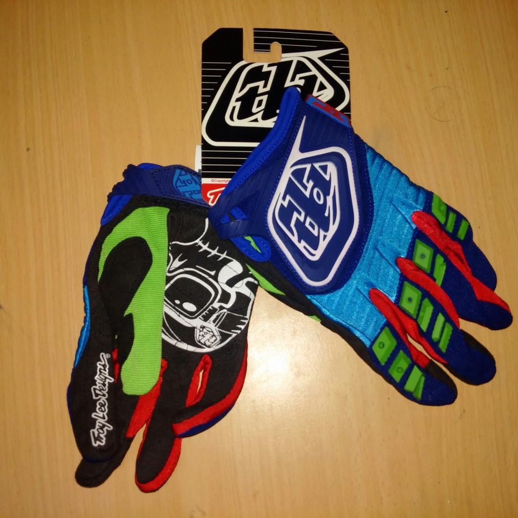 Jual glove/sarung tangan merk TLD