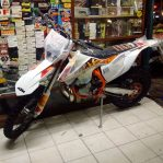 Jual motor KTM 250EXC sixdays spain th.2017 lengkap manual book,tool kit,engine guard Rp.139,000,000