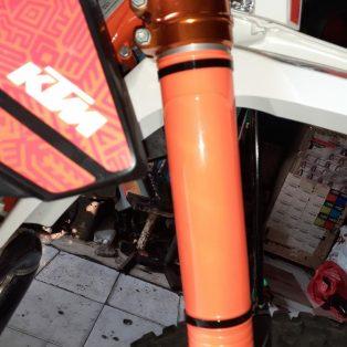 Jual Cover usd depan untuk semua motor trail bahan plastik ada 7 warna Rp.170,000